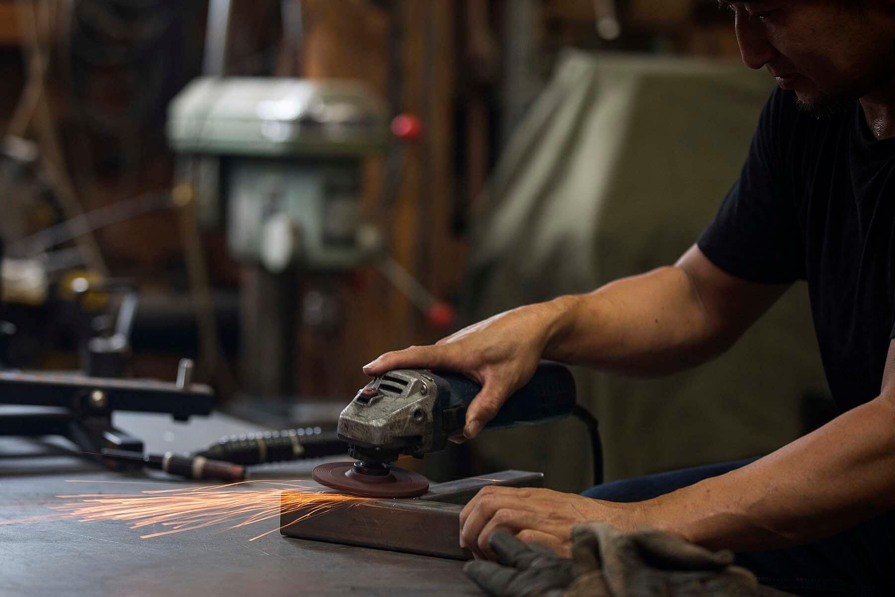 小さい鉄工所 PADLOCK金工|Work Friend|自社工房&ショールーム|株式会社イーズ企画工房