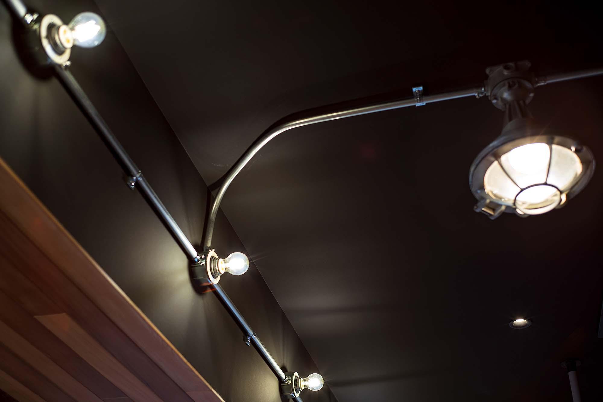 船舶用投光器を室内照明にpage-visual 船舶用投光器を室内照明にビジュアル